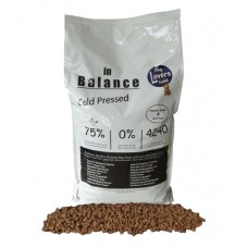 Dog Lovers Gold In Balance Pressed 13 kg