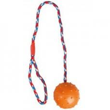 Rubberbal aan touw